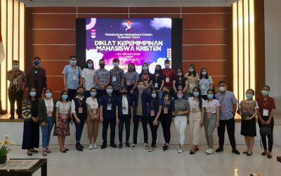 Mahasiswa IAKN Manado Ikuti Diklat Kepemimpinan Mahasiswa Kristen